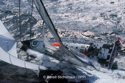 SAILING - VENDEE GLOBE 2000 - 2000/05 - PREPARATION - DOMINIQUE WAVRE (CH) / UBP - PHOTO: BENOIT STICHELBAUT/DPPI