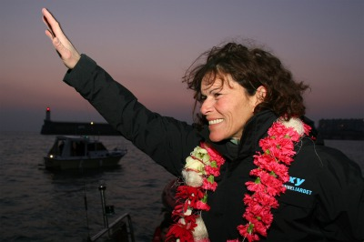 SAILING - VENDEE GLOBE 2004-2005 - FINISH - LES SABLES D'OLONNE (FRA) - 06/03/2005 - PHOTO : JACQUES VAPILLON / DPPI ROXY / SKIPPER : ANNE LIARDET (FRA) / 11TH