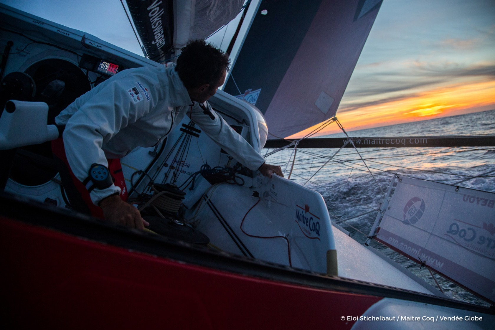Onboard image bank while training for the Vendee Globe of IMOCA Maitre COQ, skipper Jeremie Beyou (FRA), off Belle-Ile, on September 23rd, 2016 - Photo Eloi Stichelbaut / Maitre Coq / Vendee GlobeImages embarquées de Jeremie Beyou (FRA), skipper Maitre