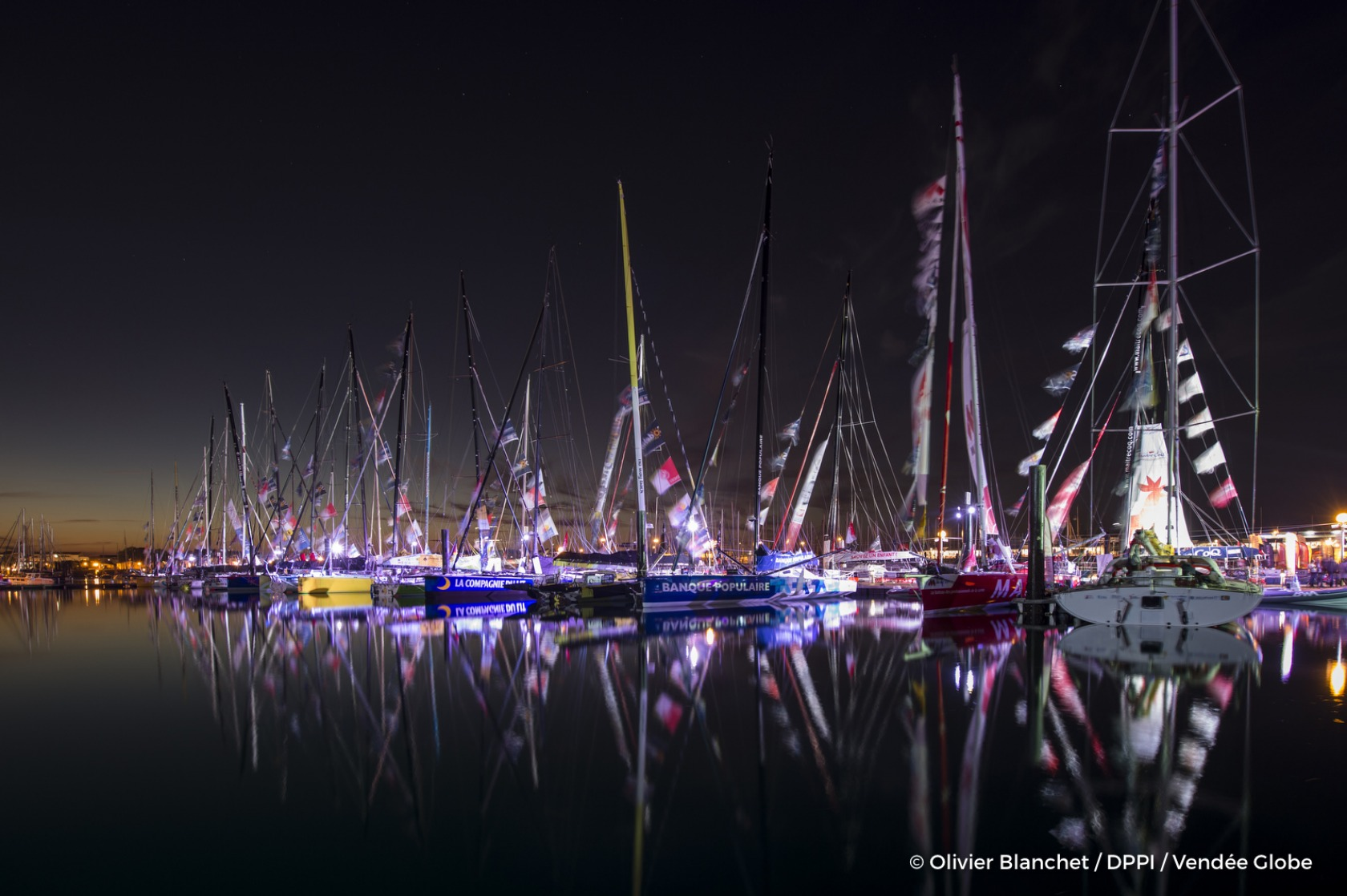 Illustration of pontoons by night, during prestart of the Vendee Globe, in Les Sables d'Olonne, France, on October 27th, 2016 - Photo Olivier Blanchet / DPPI / Vendée GlobeIllustration de nuit des pontons du Vendée Globe, le 27 Octobre 2016 - Photo Oliv
