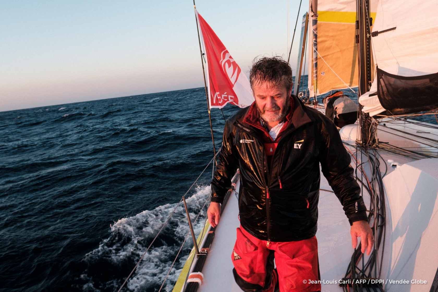 Enda O'Coineen (IRL), skipper Kilcullen Voyager - Team Ireland, training solo for the Vendee Globe, off Belle-Ile on October  6, 2016 - Photo Jean-Louis Carli / AFP / DPPI / Vendee GlobeImages embarquées de Enda O'Coineen (IRL), skipper Kilcullen Voyage