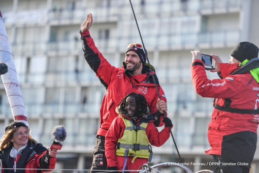 Return in Les Sables d'Olonne channel with public, for Tanguy de Lamotte (FRA), skipper Initiatives Coeur, after being forced to retire from the Vendee Globe solo circumnavigation sailing race, his mast being broken, on November 28th, 2016 - Photo Christo