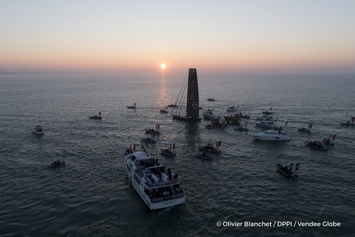 Finish arrival of Alex Thomson (GBR), skipper Hugo Boss, 2nd place of the sailing circumnavigation solo race Vendee Globe, in Les Sables d'Olonne, France, on January 20th, 2017 - Photo Olivier Blanchet / DPPI / Vendee GlobeArrivée de Alex Thomson (GBR),