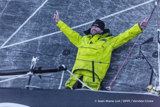 Joy and celebration at Finish arrival of Alex Thomson (GBR), skipper Hugo Boss, 2nd place of the sailing circumnavigation solo race Vendee Globe, in Les Sables d'Olonne, France, on January 20th, 2017 - Photo Jean-Marie Liot / DPPI / Vendee GlobeArrivée