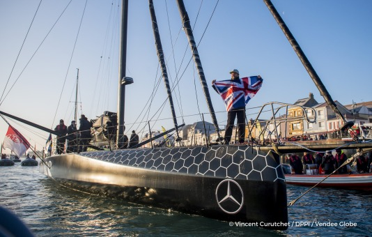 Ambiance channel at Finish arrival of Alex Thomson (GBR), skipper Hugo Boss, 2nd place of the sailing circumnavigation solo race Vendee Globe, in Les Sables d'Olonne, France, on January 20th, 2017 - Photo Vincent Curutchet / DPPI / Vendee GlobeArrivée d