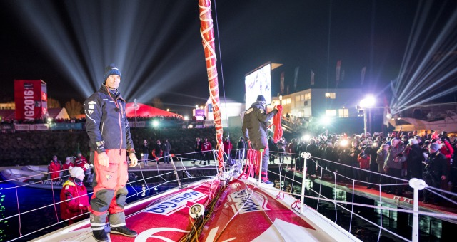 Pontoon ambiance after Finish arrival of Jeremie Beyou (FRA), skipper Maitre Coq, 3rd of the sailing circumnavigation solo race Vendee Globe, in Les Sables d'Olonne, France, on January 23rd, 2017 - Photo Vincent Curutchet / DPPI / Vendee GlobeAmbiance ponton à l'Arrivée de Jeremie Beyou (FRA), skipper Maitre Coq, 3ème du Vendee Globe, aux Sables d'Olonne, France, le 23 Janvier 2017 - Photo Vince