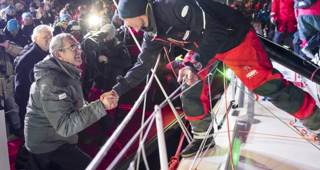 Yves Auvinet (CG85 President) congratulations after Finish arrival of Jeremie Beyou (FRA), skipper Maitre Coq, 3rd of the sailing circumnavigation solo race Vendee Globe, in Les Sables d'Olonne, France, on January 23rd, 2017 - Photo Vincent Curutchet / DPPI / Vendee GlobeFélicitations de Yves Auvinet (CG85 President) à l'Arrivée de Jeremie Beyou (FRA), skipper Maitre Coq, 3ème du Vendee Globe, a