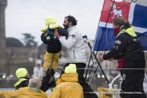 Family at Finish arrival of Louis Burton (FRA), skipper Bureau Vallee, 7th of the sailing circumnavigation solo race Vendee Globe, in Les Sables d'Olonne, France, on February 2nd, 2017 - Photo Olivier Blanchet / DPPI / Vendee GlobeArrivée de Louis Burton (FRA), skipper Bureau Vallee, 7ème du Vendee Globe, aux Sables d'Olonne, France, le 2 Février 2017 - Photo Olivier Blanchet / DPPI / Vendee Glo