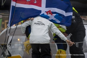 Family at Finish arrival of Louis Burton (FRA), skipper Bureau Vallee, 7th of the sailing circumnavigation solo race Vendee Globe, in Les Sables d'Olonne, France, on February 2nd, 2017 - Photo Olivier Blanchet / DPPI / Vendee Globe