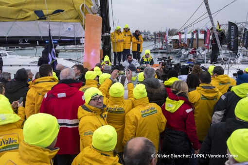 Media at pontoon during Finish arrival of Louis Burton (FRA), skipper Bureau Vallee, 7th of the sailing circumnavigation solo race Vendee Globe, in Les Sables d'Olonne, France, on February 2nd, 2017 - Photo Olivier Blanchet / DPPI / Vendee GlobeArrivée de Louis Burton (FRA), skipper Bureau Vallee, 7ème du Vendee Globe, aux Sables d'Olonne, France, le 2 Février 2017 - Photo Olivier Blanchet / DPP