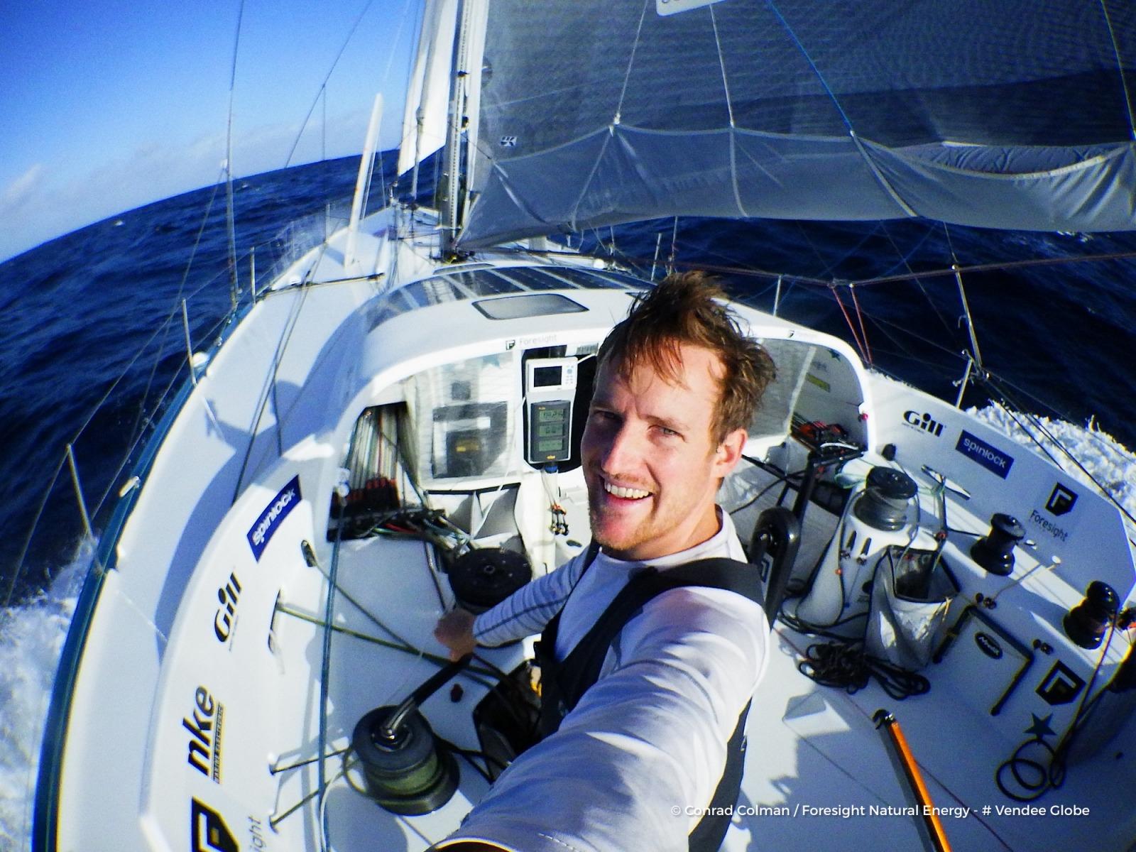 Conrad Colman démâte mais veut continuer — Vendée Globe