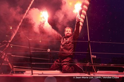 Celebration with flares in channel during Finish arrival of Eric Bellion (FRA), skipper Comme Un Seul Homme, 9th of the sailing circumnavigation solo race Vendee Globe, in Les Sables d'Olonne, France, on February 13th, 2017 - Photo Jean-Marie Liot / DPPI / Vendee GlobeArrivée de Eric Bellion (FRA), skipper Comme Un Seul Homme, 9ème du Vendee Globe, aux Sables d'Olonne, France, le 13 Février 2017