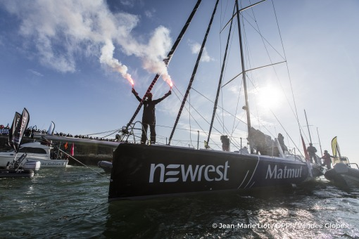 Ambiance channel during Finish arrival of Fabrice Amedeo (FRA), skipper Newrest Matmut, 11th of the sailing circumnavigation solo race Vendee Globe, in Les Sables d'Olonne, France, on February 18th, 2017 - Photo Jean-Marie Liot / DPPI / Vendee GlobeArrivée de Fabrice Amedeo (FRA), skipper Newrest Matmut, 11ème du Vendee Globe, aux Sables d'Olonne, France, le 18 Février 2017 - Photo Jean-Marie Li