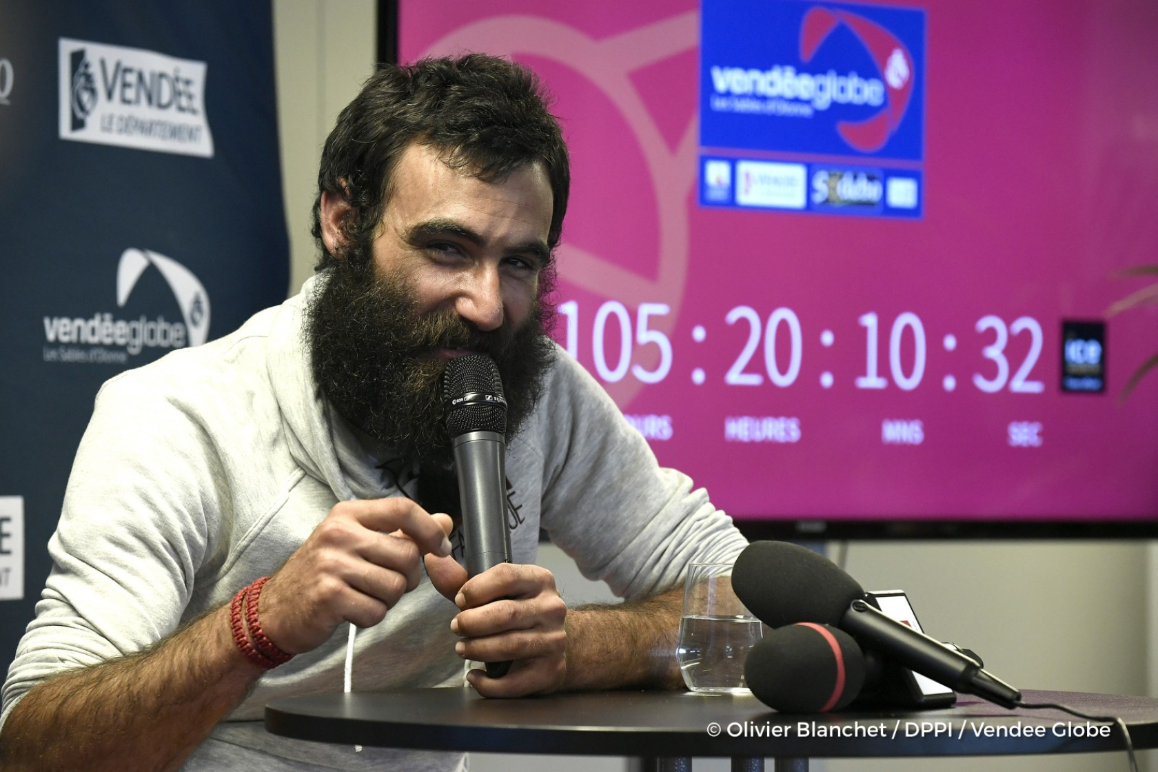 Press conference during Finish arrival of Alan Roura (SUI), skipper La Fabrique, 12th of the sailing circumnavigation solo race Vendee Globe, in Les Sables d'Olonne, France, on February 20th, 2017 - Photo Olivier Blanchet / DPPI / Vendee GlobeArrivée de Alan Roura (SUI), skipper La Fabrique, 12ème du Vendee Globe, aux Sables d'Olonne, France, le 20 Février 2017 - Photo Olivier Blanchet / DPPI /