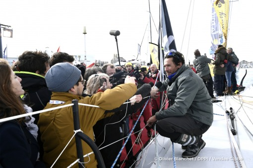 Media at pontoon during Finish arrival of Romain Attanasio (FRA), skipper Famille Mary - Etamine du Lys,15th of the sailing circumnavigation solo race Vendee Globe, in Les Sables d'Olonne, France, on February 24th, 2017 - Photo Olivier Blanchet / DPPI / Vendee GlobeArrivée de Romain Attanasio (FRA), skipper Famille Mary - Etamine du Lys, 15ème du Vendee Globe, aux Sables d'Olonne, France, le 24