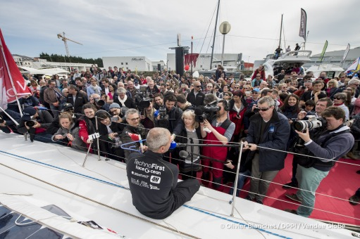 Media at pontoon during Finish arrival of Sebastien Destremau (FRA), skipper Technofirst Face Ocean,18th of the sailing circumnavigation solo race Vendee Globe, in Les Sables d'Olonne, France, on March 10th, 2017 - Photo Olivier Blanchet / DPPI / Vendee GlobeArrivée de Sebastien Destremau (FRA), skipper Technofirst Face Ocean, 18ème du Vendee Globe, aux Sables d'Olonne, France, le 10 Mars 2017 -