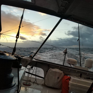 The sillage with the sunset onboard Groupe APICIL