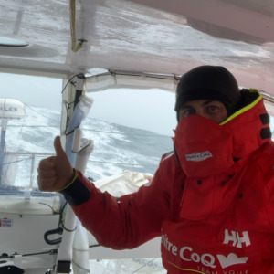 Yannick continues his incredible race and is still the leader of the Vendée Globe.