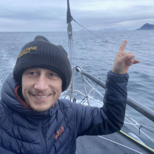 Armel passes in his turn the famous Cape Horn, the southern tip of South America