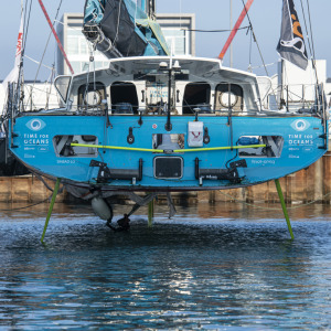Time for Oceans is lifted out of the water after technical incident